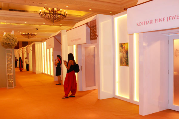 Art & Luxury events – 2500 sqm of reusable « boutique like »
